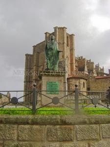 Estatua dedicada a Julio César Augusto
