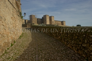 Subiendo al castillo de Trujillo