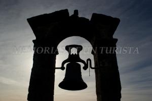 Campana en el Castillo de Trujillo