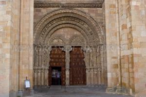 Entrada a la Basílica de San Vicente