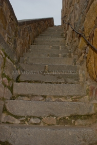 Escaleras de subida a la muralla