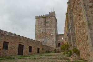 Entrada al castillo de Alburquerque
