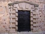 Puerta del Palacio de los Condes de Adanero en Cáceres