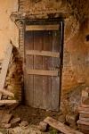 Puerta en El Coronito, poblado abandonado cercano a Cañamero (Cáceres)