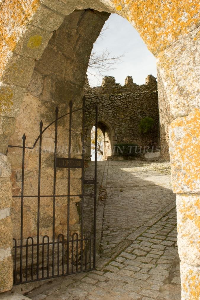 Entrada al Castillo de Montánchez