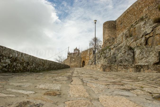 Subida al Castillo de Montánchez