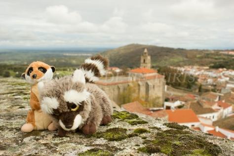 Mery y Pepe desde el Castillo de Montánchez