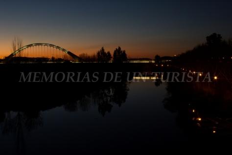 Puente Lusitania al atardecer