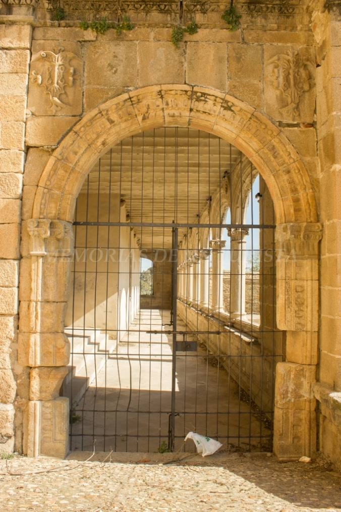 Puerta del Conventual de San Benito