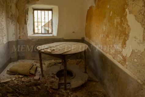 Habitación de casa abandonada