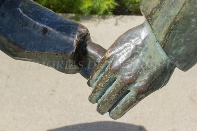La mano experta y la mano joven