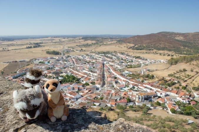 Mery y Pepe desde la torre del Castillo de Miraflores