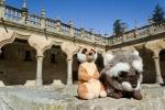 Mery y Pepe en el Patio de las Escuelas Mayores (Salamanca)