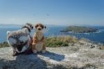 Mery y Pepe en el mirador de Fedorentos, en la Isla de Ons